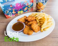 Kinder Menu | 5 kipnuggets, friet, saus en Fristi